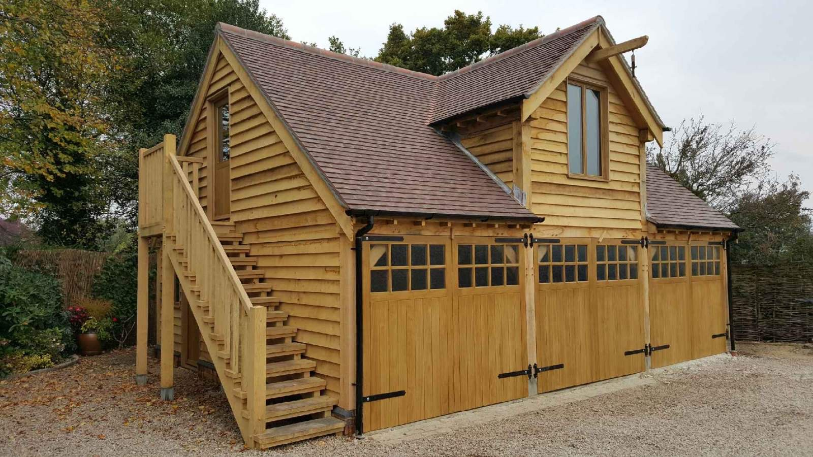 Traditional oak framed garage with room over Devon